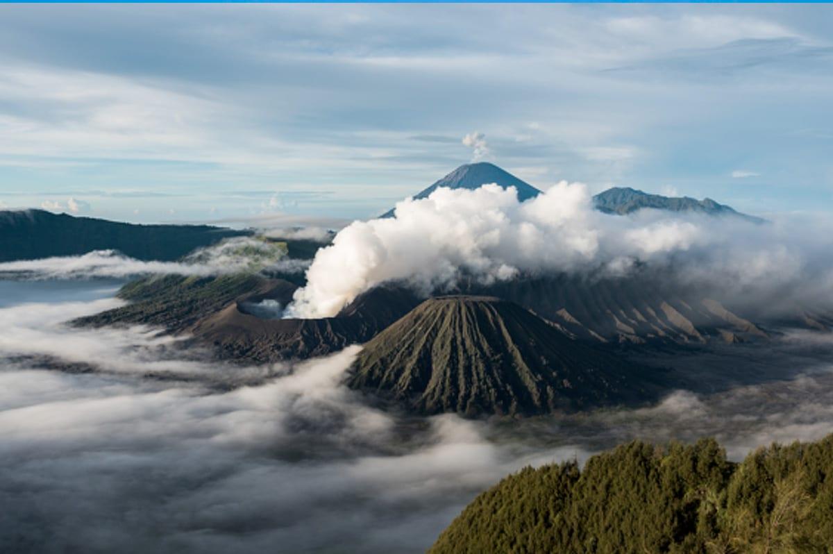 ภูเขาไฟโบรโม่ ประเทศอินโดนีเซีย Bromo - Indonesia