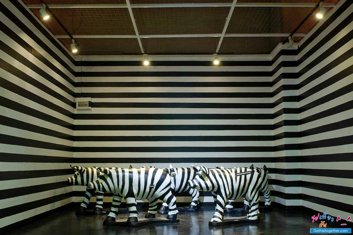 ห้องสีขาวดำ ม้าลาย ห้อง 5 สี ยูเนี่ยนมอลล์