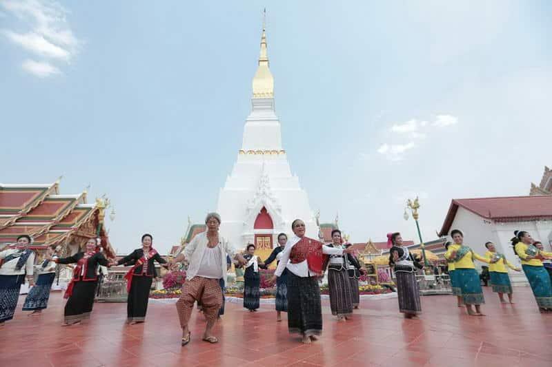 สกลนคร : ท่องเที่ยวเชิงวัฒนธรรม ๓ เส้นทาง ๑๐ ผลิตภัณฑ์ทางวัฒนธรรม 2