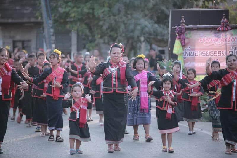 สกลนคร : ท่องเที่ยวเชิงวัฒนธรรม ๓ เส้นทาง ๑๐ ผลิตภัณฑ์ทางวัฒนธรรม 8